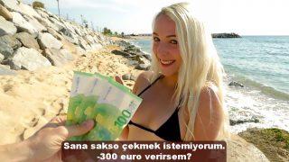 Denize Giren Sarışın Liseliye Parayla Sakso Çektirdi