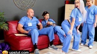 Mesai Saatinde Azan Hemşire Doktora Kucakta Boşaldı